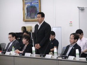 真:山際副大臣&室伏部会長DSCF4681