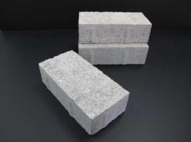 真:荒川教授開発のコンクリートブロック