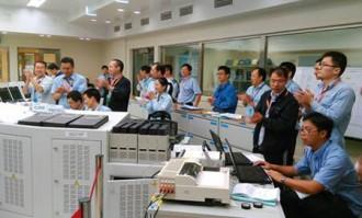 福清2号機の初臨界を祝う発電所スタッフ達©CNNC