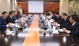 北京で行われたCNNCとカザトムプロム一行との協議©CNNC