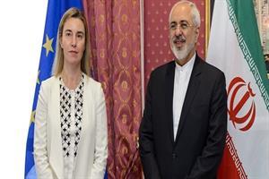 EUのモゲリーニ上級代表(=左)とイランのザリフ外相©イラン外務省