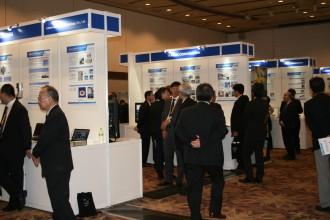 技術展示会も行われ多くの人が訪れた