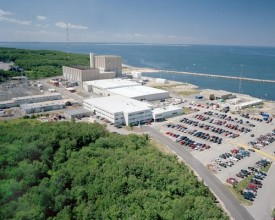 1972年に営業運転を開始したピルグリム原子力発電所©エンタジー社