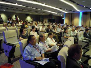 講演会には、台湾電力、政府関係から、約100名が参集した